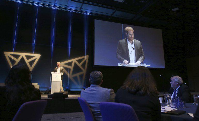 Llámenme Enrique: príncipe evita etiquetas reales en Escocia