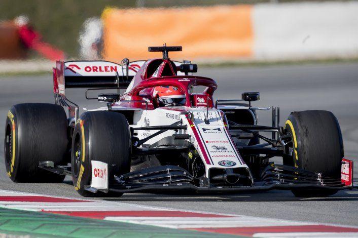 Kubica marca mejor tiempo en pruebas, 'Checo' Pérez tercero