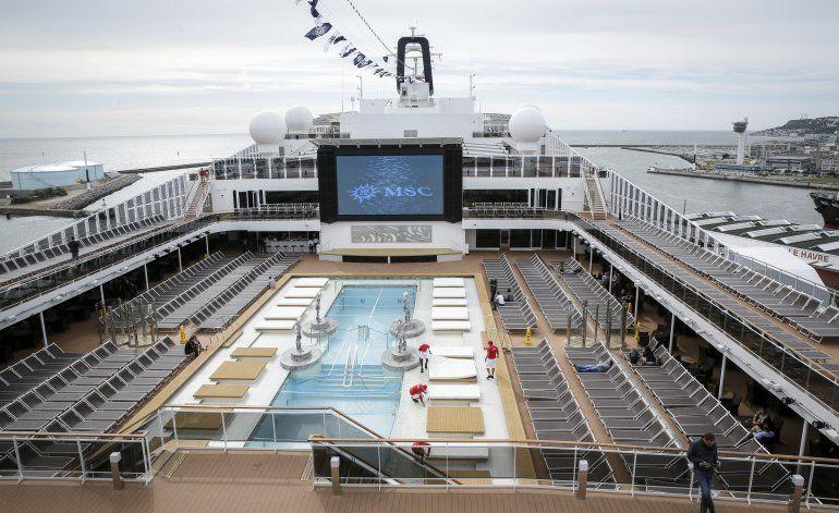 Crucero va a St. Maarten después de alarma por coronavirus