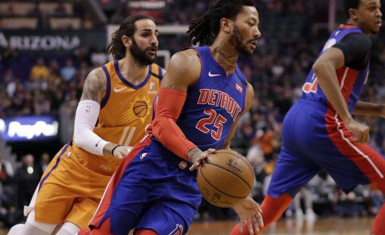 Pistons se sostienen y superan a los Suns
