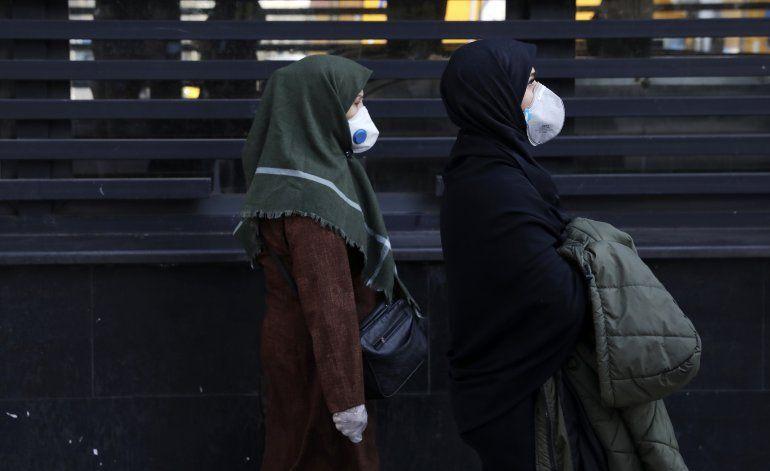 """""""Decenas de miles"""" podrían ser examinados por virus en Irán"""