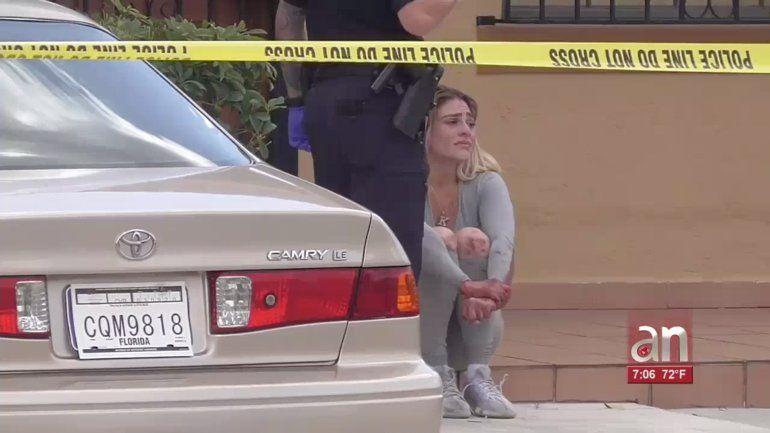 Una joven de Hialeah balea a su vecino dejándolo en estado grave