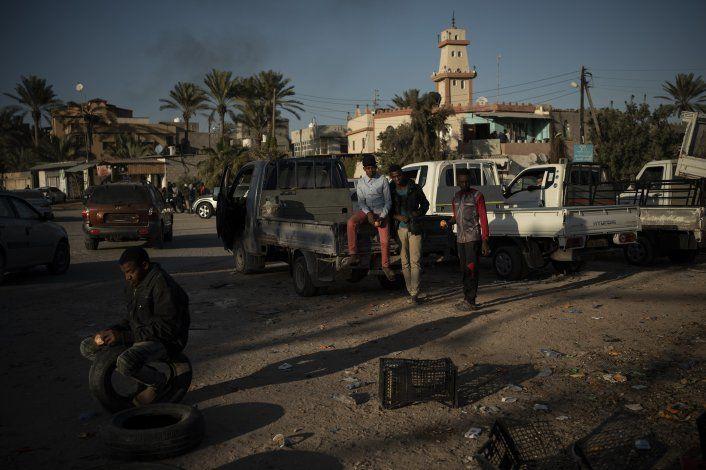 Aumentan choques por el control de la capital libia