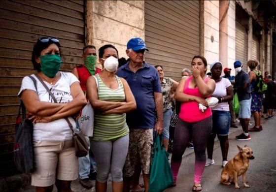 Detenien a ocho en Cuba por apartar más de 3,000 nasobucos y otros artículos sanitarios