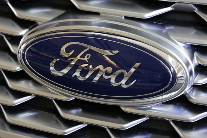 Ford retira más de 268.000 vehículos en para reparar puertas
