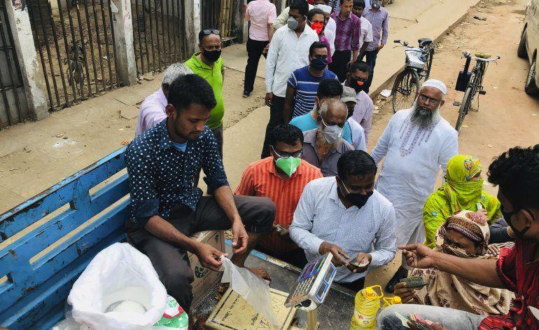 La premier de Bangladesh pide a ciudadanos quedarse en casa