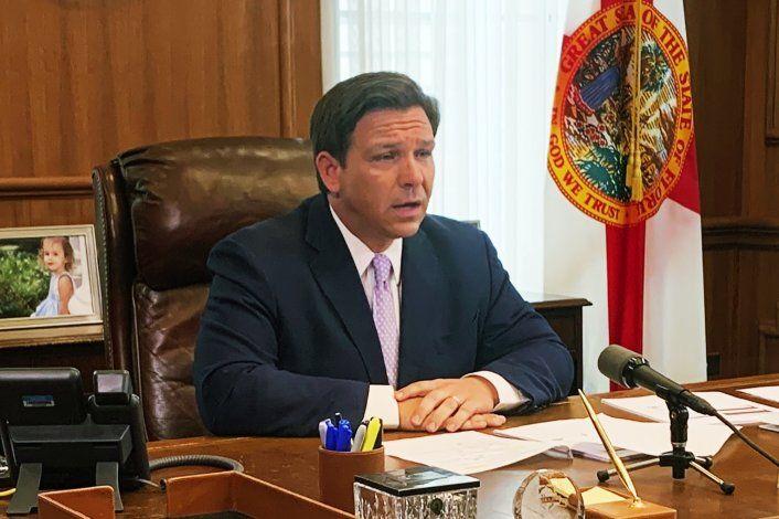 Gobernador de Florida enfrenta dilema entre economía y salud