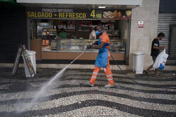 Bolsonaro enfrenta rebelión de gobernadores por coronavirus