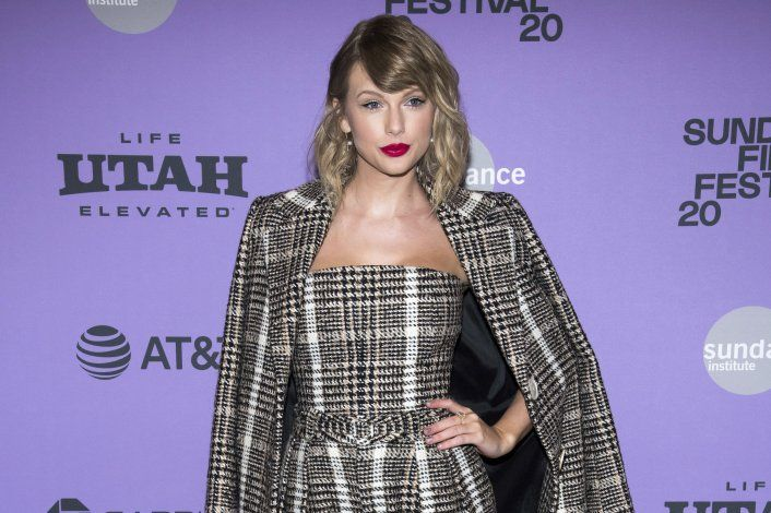 Taylor Swift sorprende a fans con donativos