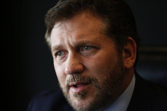 Líder de CONMEBOL pide a FIFA priorizar salud sobre política