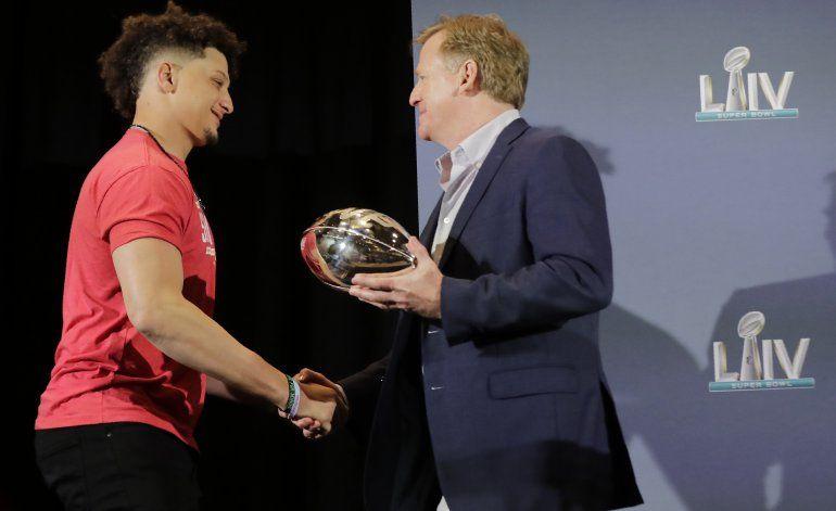 NFL realizará el draft en abril, como estaba previsto