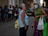 regimen cubano obliga a sus ciudadanos a usar mascarillas