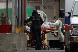 el personal de salud de nueva york suplica por mas equipos