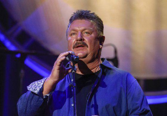 Fallece cantante Joe Diffie por complicaciones de COVID-19