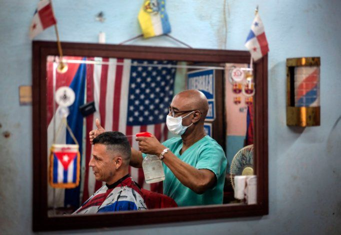 Reportan otro cubano fallecido y 350 casos de COVID-19