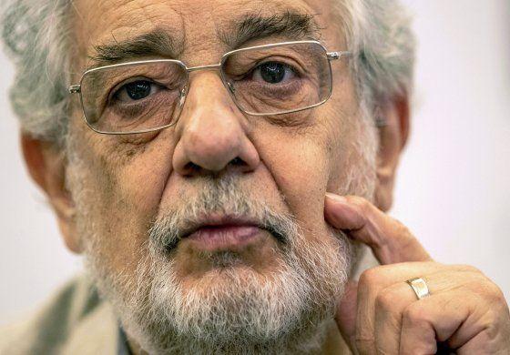 """Plácido Domingo dice sentirse """"bien"""" tras coronavirus"""