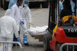 muertos por coronavirus rebasan a hospitales en ny