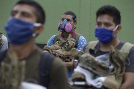 peru: miles de reservistas vuelven a cuarteles por covid-19