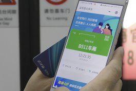 china: el pase digital de salud domina la vida tras el virus