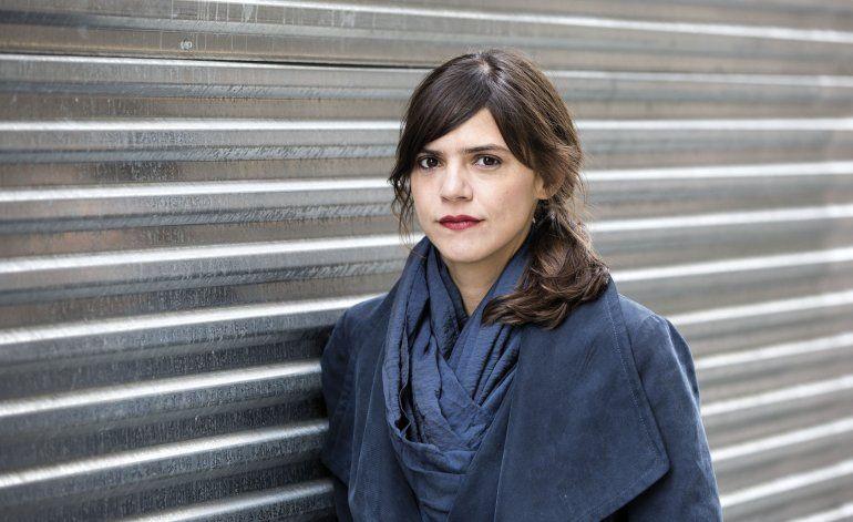 Valeria Luiselli: Escritores debemos documentar este momento
