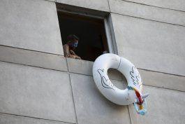 viajeros protestan desde encierro en hoteles de buenos aires