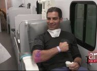 alcalde de miami primer donante de plasma en florida