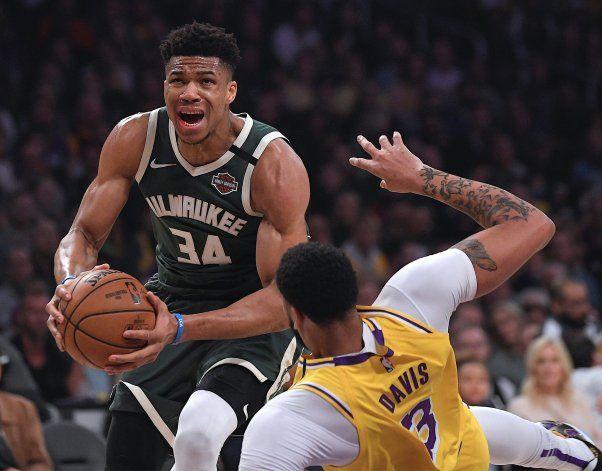 Jugadores de NBA, orillados a entrenar con lo que pueden