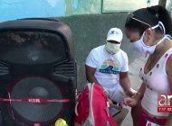 regimen cubano usa a ciudadanos para instalar bocinas con mensajes que invitan al aislamiento social
