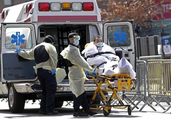 Nueva York reporta aumento récord de muertes por COVID-19