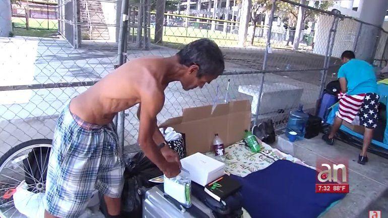 Trabajadores Sociales de Miami salen a las calles a atender a los desamparados por el Coronavirus