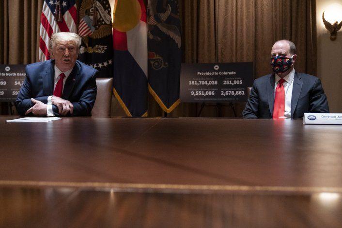 Trump nombrará un zar para vacuna contra COVID-19
