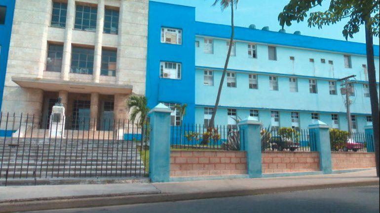 Contagiados por Covid-19 y sancionados por no protegerse, una decena de médicos en Matanzas
