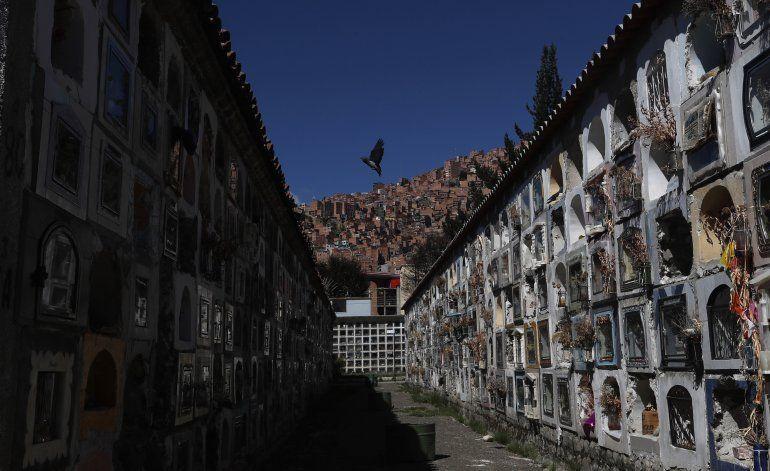 Bolivia relaja cuarentena aunque contagios aumentan