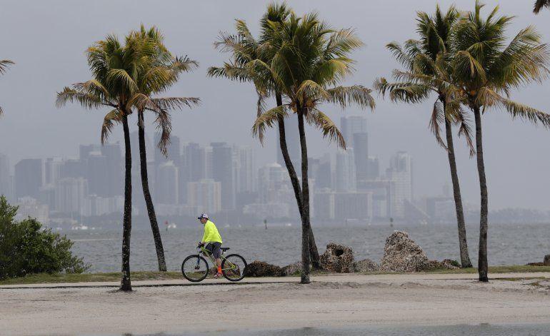 Pronostican temporada de huracanes intensa en el Atlántico