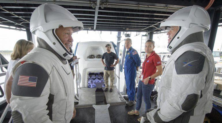 SpaceX revive lanzamientos espaciales tripulados desde EEUU