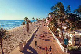 broward establece la fecha del 26 de mayo para reabrir playas, gimnasios y hoteles