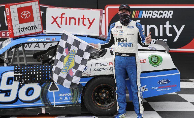 Briscoe gana carrera en Xfinity Series tras semana triste
