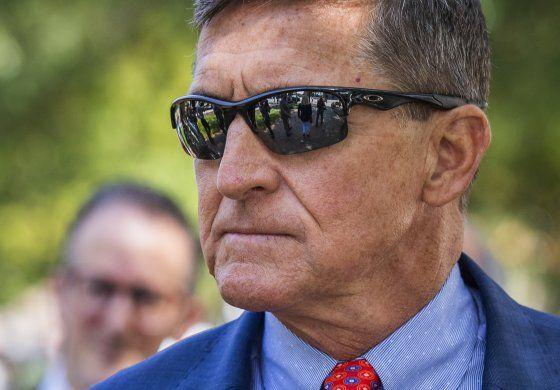 FBI ordena revisión interna de pesquisa sobre Flynn