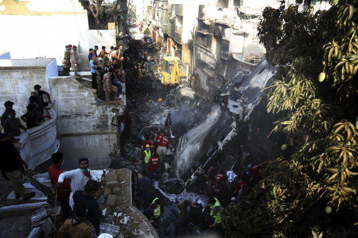 Pakistán: Turbulencias, aviso antes de letal siniestro aéreo
