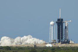trump planea asistir a lanzamiento tripulado en florida
