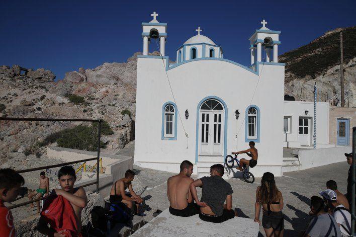Grecia reabre sus islas para reactivar el turismo