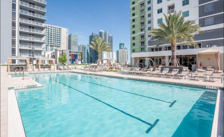 Primero de Junio: reabren las pisicnas de condominios, playas y hoteles en Miami