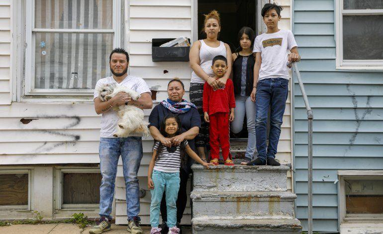Roberto y Janeth: El drama de los inmigrantes sin papeles