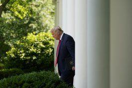 marca de 100.000 muertes retumba en presidencia de trump