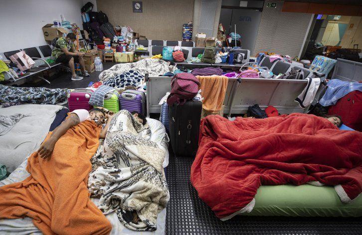 Brasil: colombianos duermen en aeropuerto a espera de vuelo