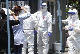 suben muertos por el virus en india, eeuu supera los 100.000