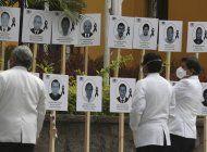 medicos de peru homenajean a sus 36 muertos