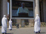 el papa encabeza oracion mariana con mas de 100 invitados