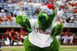 mascotas preguntan por que el beisbol las quiere marginar