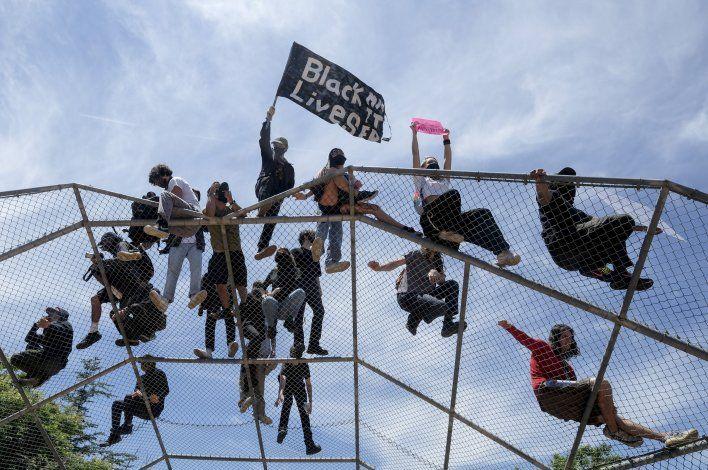 Los Ángeles recurre a Guardia Nacional para frenar violencia